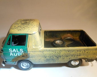 Classicwrecks Rusted Scale Model Dodge Truck in Yellow