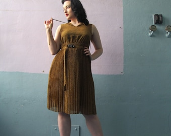 Vtg 60s 70s Pleated Dress / Geometric Pattern