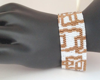 Tutorial for Gold Boxes Peyote Cuff