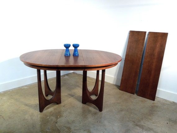 Broyhill Brasilia Dining Table Round Mid Century Modern Walnut