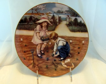 Doing Their Bit, one of the Fond Memories plate collection by M.M. Grimball 1988 Hamilton Collection