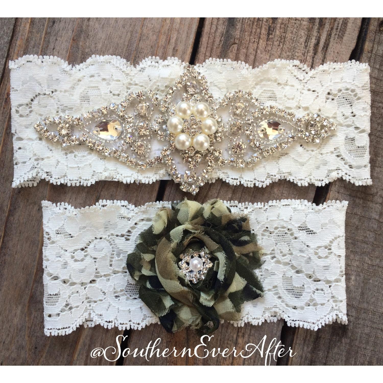 Camo Garter For Wedding: PEARL And CAMO Garter Set / Bridal Garter/ Lace Garter / Toss
