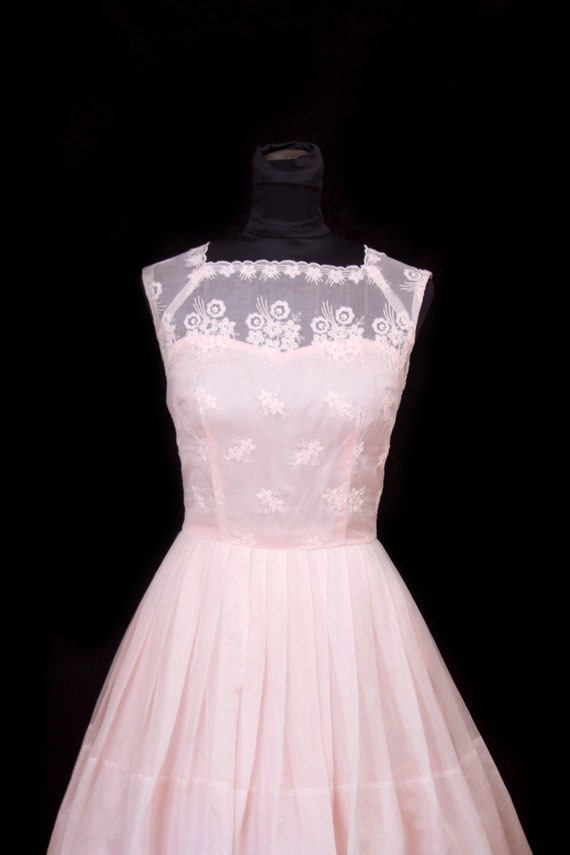 1950 S Dress Embroidered Pink Organdy Full Skirt Party