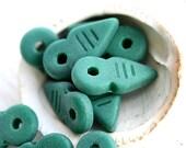 Arrow beads - Seaglass Green, matte finish czech Glass beads, Pointer Beads, spike, 19x9mm - 10Pc - 1123