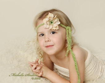 newborn baby photography prop-crocheted light green halo headband beige cream flower-baby shower gift, toddler photography prop