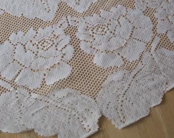 "Vintage  Tablecloth ivory white Quaker lace style cotton 56 x 90"""
