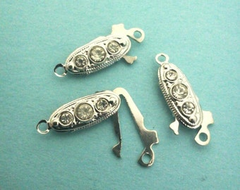 Clasps Vintage Jewelry making supply Z001
