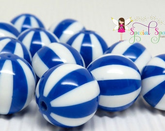 12 chunky striped beach ball beads, bubblegum beads, BLUE and White, 20mm