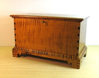 Tiger Maple Miniature Blanket Chest with Inside Tray and Lock