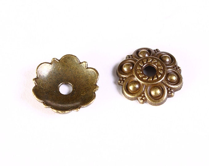13mm antique brass flower bead caps - 13mm flower beadcaps - Textured beadcap - Cadmium free (1292) - Flat rate shipping