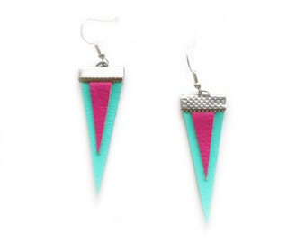 GEOMERTIC TRIANGLE EARRINGS in mint and pink