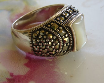 Chunky Vintage antiqued Sterling Silver Mother of Pearl MOP Marcasite Dome Ring size 8