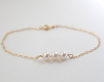 Delicate pearl bracelet - 14k gold chain three freshwater white pearls - minimalist dainty by fildee
