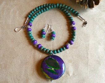 20 Inch Green and Purple Fire Agate Pendant Necklace with Earrings