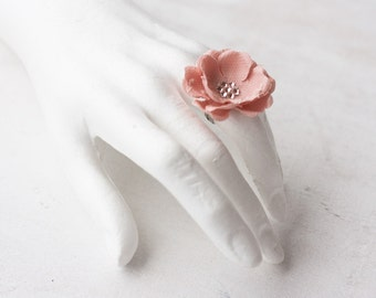 Flower ring, Flower jewelry, Pink ring, Jewelries, Bridesmaid accessories, Bridesmaid gift, Wedding jewelry, Wedding accessories, Ring.