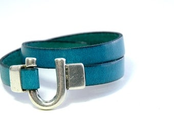 Leather Bracelet, Double wrap, Teal Blue leather, Horseshoe Decorative Silver clasp, Modern, Casual, Jewelry