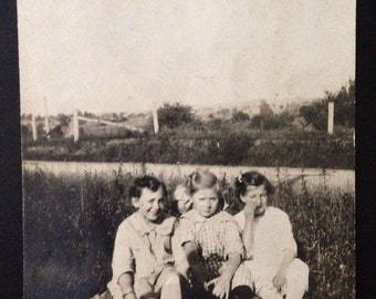 Original Antique Photograph Three Best Girlfriends