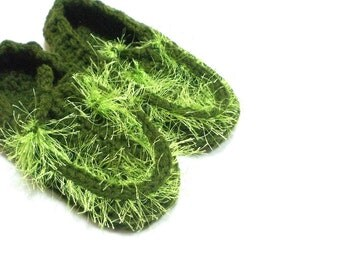 Crochet green slippers, Thick house slippers, Tasseled, House shoes, Grass, Soft house slippers, Slippers gift, Child slippers