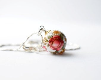Shabby Chic Roses Vintage Inspired Japanese Bead Pendant Necklace, Shabby Chic Rose Jewelry