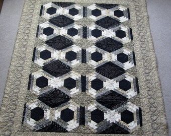 """PDF Pattern Dressy Hexie Gone Pineapple uses6"""" hexagons, Little Black Dress 2 by Moda, and has mitered borders with strip piecing easy quilt"""