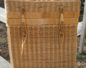 Vintage Wicker Wine Basket, Picnic, Gift Basket