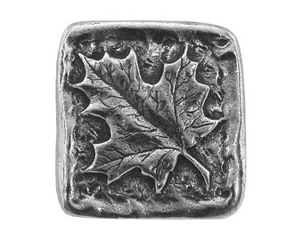 Danforth Maple Leaf 13/16 inch ( 21 mm ) Pewter Button