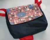 Large Messenger Autumn Hand Bag With Adjustable Strap and Magnetic Clasp Closure