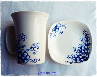 Hand-painted porcelain mug & small plate - Blue leaves