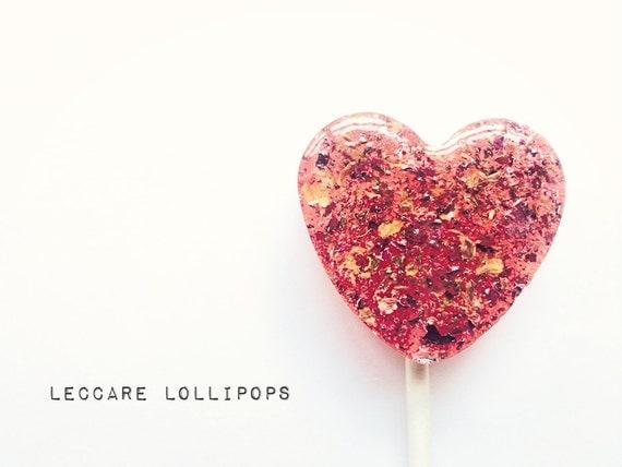 6 Gourmet Lollipops //  Rose & Honey Hearts  // Edible Flowers // Spring Wedding Favor // Summer Wedding // Pink Favors // Heart Lollipops