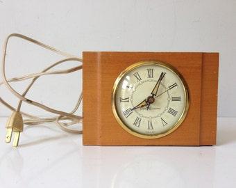 Vintage General Electric Clock Alarm Model 7277 Retro Wooden Solid Hard Maple USA E673z
