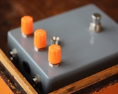 WILLY TRAP-Distortion/Fuzz-Built-Vintage / Classic Guitar / Keyboard / Instrument Effects FX Pedal Stomp Box- Hand Built Replica