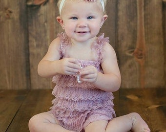 blush petti lace romper..blush lace romper..girls petti lace rompers..baby girls petti lace rompers..blush romper..baby girls rompers