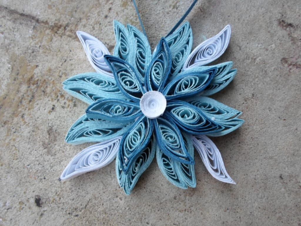 White Christmas Tree Blue Ornaments : Snowflake christmas tree ornament blue white holiday