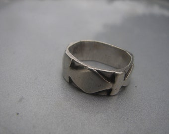 Handmade Sterling Silver Ring with Overlay size 5 1/2. 350.