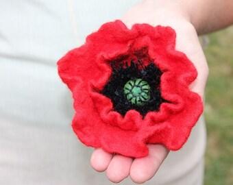 Red Poppy / Felt flower brooch / Wool Felt Jewelry / Felted flower / shades red
