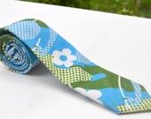 Vintage 1960s Blue Green White Mod Hippy Skinny Tie