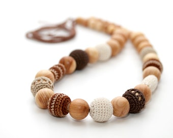 Cappuccino  beads - Teething nursing necklace in juniper wood, brown, cream, beige. Valentines Gift