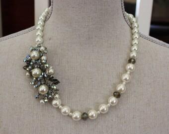 SALE!  Vintage Pearl Brooch Necklace