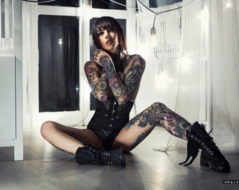 January - Gogo Blackwater print