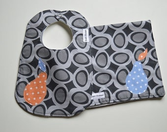 ORGANIC Baby Gift Set - Bib and Burp Cloth - River Stones with Fruit Applique - Gender Neutral Shower Gift