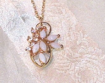Vintage Opal Necklace in Yellow Gold Mid Century Estate Jewelry