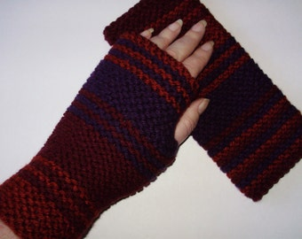Season 18 Hand Knit Acrylic Doctor Who Fingerless Gloves Inspired by the Original Season 18 Scarf from Ashlee's Knits