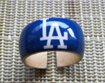 Los Angeles (Dodgers) -- wood finger ring