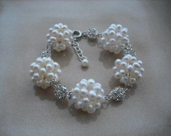 PearlCluster, Bridal bricelet, Rhinestone and Five A Grade Freshwater Pearl cluster bracelet, Vintage Style Bridal bricelet, Wedding Jewelry