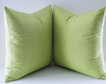 Set of 2 / Green Cotton Pillow, Decorative Throw Pillow, Cushion Cover, Fresh Green