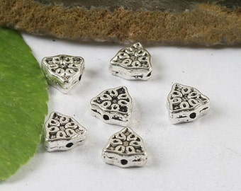 40Pcs  dull silver flower triangle beads H0538