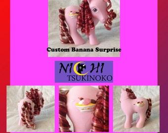 Banana Surprise: A custom Sundae Best pony