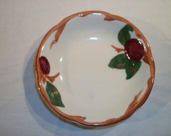 """Franciscan Apple 5 1/4"""" Fruit Bowl"""