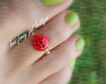 Toe Ring - Red Lady Bug Button - Stretch Bead Toe Ring