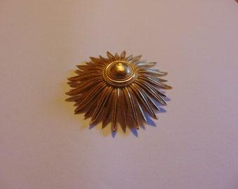 Vintage Gold Tone Trifari Flower Brooch